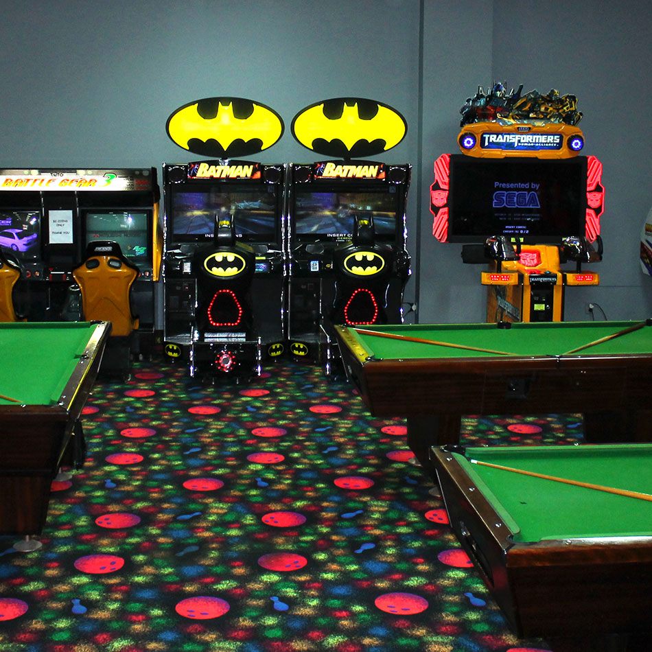 bowlarama arcade and pool tables